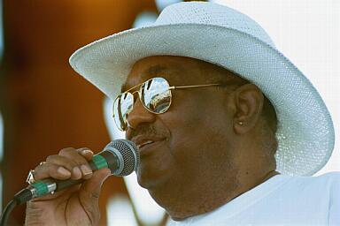 Bayfront Blues Festival 2001 with Big Walter Smith and TGMB!